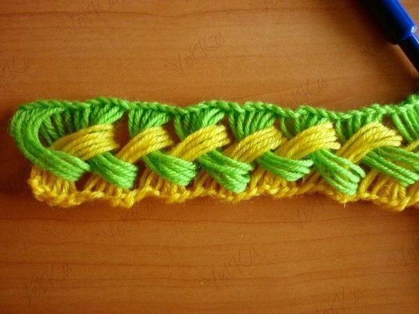 Moderna bufanda de crochet fácil hecha con un molde de cartón ...